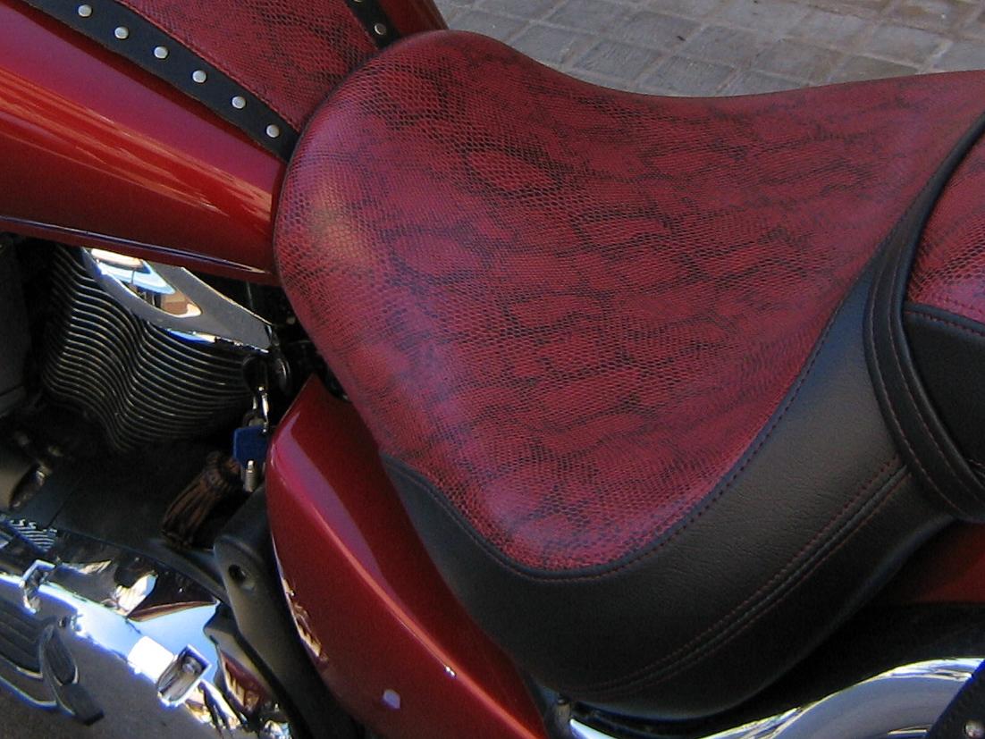 Fureauto2000 tapicer a del automovil for Tapiceria de asientos de moto